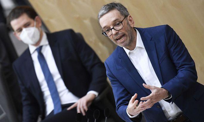 Zum Auftakt der Nationalratssitzung kam es zu einem Schlagabtausch zwischen FPÖ-Klubchef Herbert Kickl und Bundeskanzler Sebastian Kurz (ÖVP)