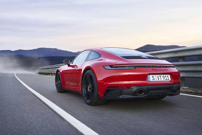Das ist die purste, fitteste Grundform: Porsche 911 Carrera GTS als Coupé mit Heckantrieb. Und Handschalter im Idealfall.