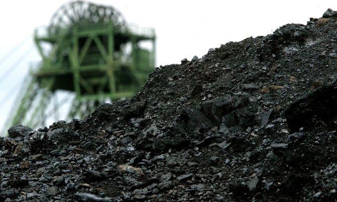 Kohlehalde vor Bergwerk West in Kamp-Lintfort