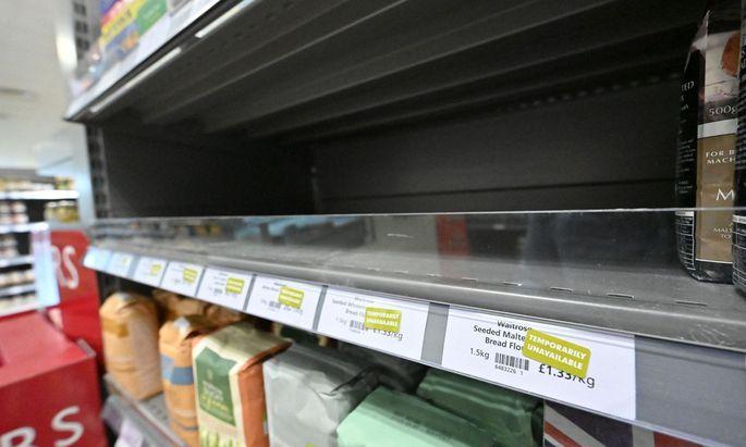 Leere Regale in britischen Supermärkten.