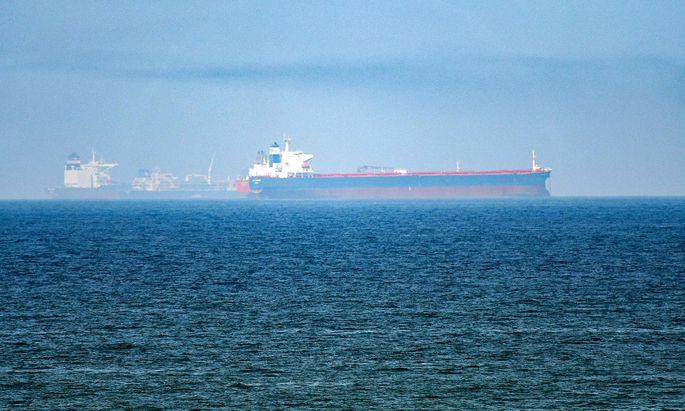 Die Straße von Hormuz ist ein wichtiger Seeweg für Ölfrachtschiffe.