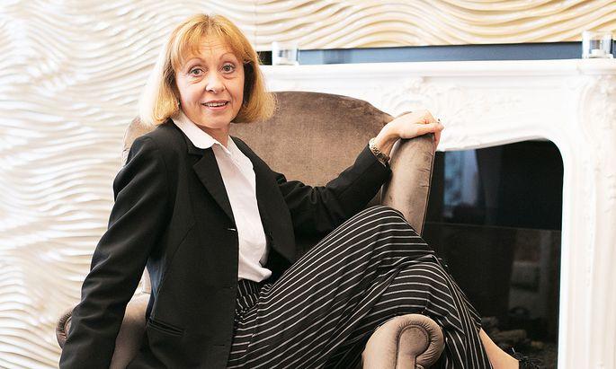 Elisabeth-Joe Harriet lädt als Olga Schnitzler diesmal Berta Zuckerkandl zum Gespräch.