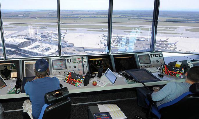 Archivbild: Der Austro Control Tower am Flughafen Wien-Schwechat