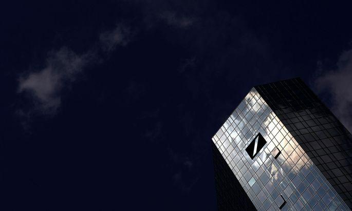 Der Deutschen Bank droht neuer Ärger in den USA wegen des Verdachts auf Verstöße bei Geldwäschekontrollen.