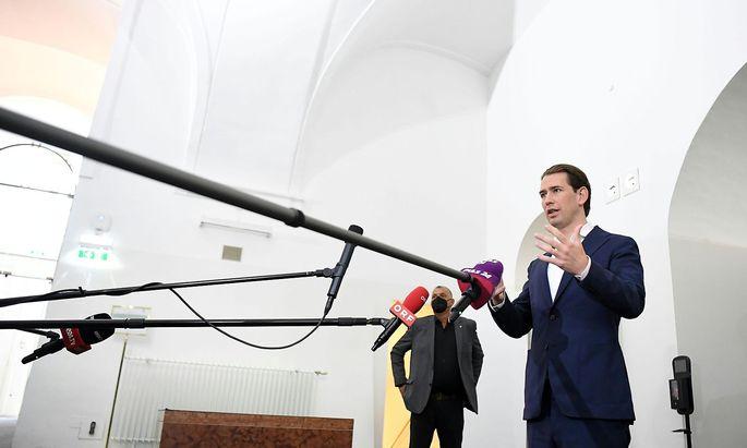 Der Kanzler und der Ibiza-U-Ausschuss: Die Aussage zur Öbag hat die Anklagebehörde auf den Plan gerufen. Kurz selbst beteuert seine Schuldlosigkeit.