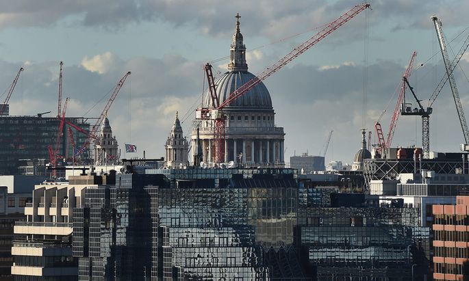 BRITAIN SKYLINE LONDON