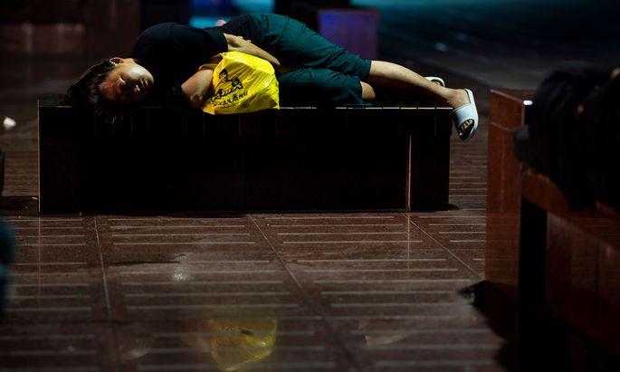Verschobener Schlaf: Die Zeitumstellung wirkt sich auf den Körper aus.