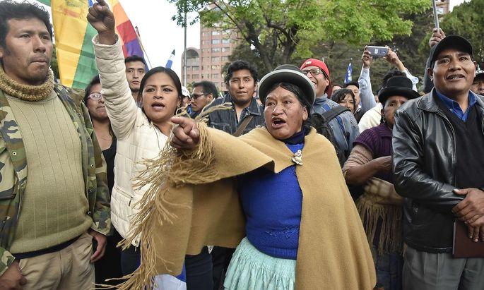 Die Wahlen in Bolivien fachen eine neu Protestwelle an.