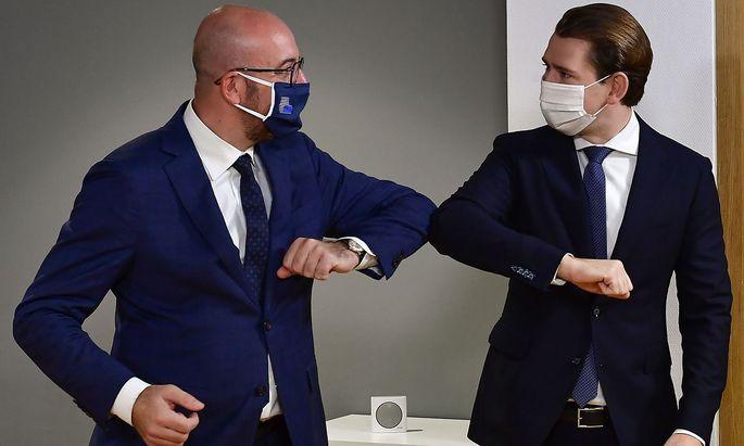 Archivbild von EU-Ratspräsident Charles Michel mit Bundeskanzler Sebastian Kurz.