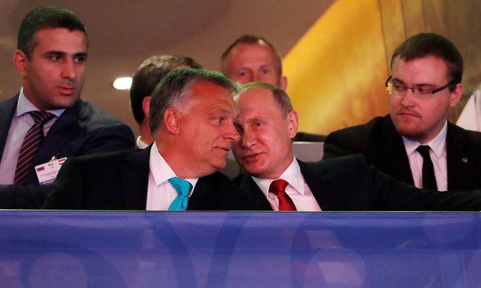 Zwei, die sich verstehen: Viktor Orbán und Wladimir Putin – selbst ein Hobby-Judoka – bei der Eröffnung der Judo-WM in Budapest.