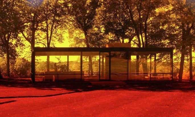 Philip Johnsons Glashaus, eine US-Architektur-Ikone, fotografierte Welling 2006–2014 mit Farbfiltern.