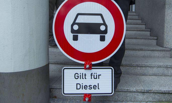 Das Verwaltungsgericht Stuttgart hat im Prozess um die Luftreinhaltung in Stuttgart der Deutschen Um