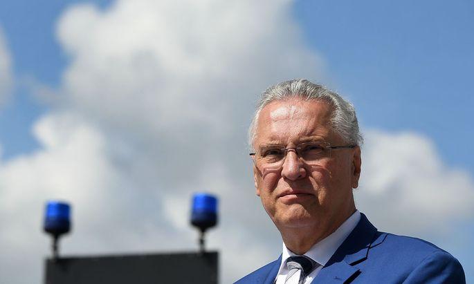 Bayerns Innenminister Joachim herrmann will die Landespolizei für Grenzkontrollen einsetzen.