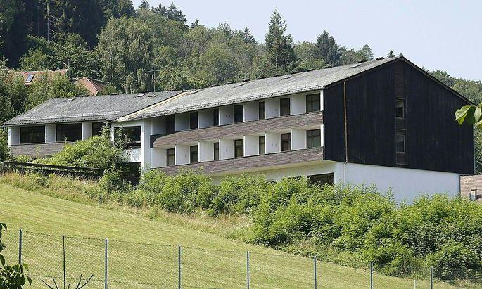 Geplantes Asyl-Verteilerzentrum in Ossiach