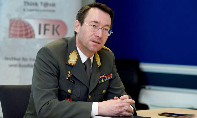 Johann Frank, Leiter des Instituts für Friedenssicherung und Konfliktmanagement
