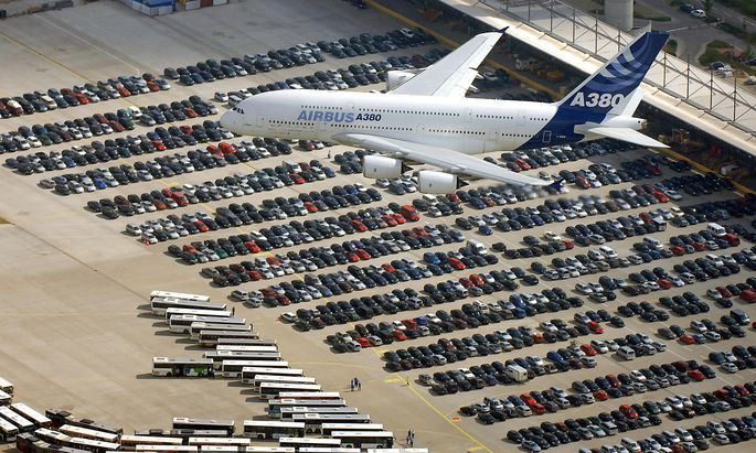 FILES-GERMANY-AVIATION-AIRBUS-A380