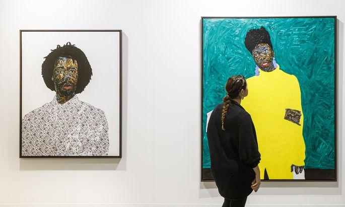 Schon 2019 begann die steile Karriere des in Wien studierenden, in Ghana geborenen Malers Amoako Boafo. Hier die Einzelpräsentation seiner Galerie Mariane Ibrahim bei der vorigen Art Basel Miami.