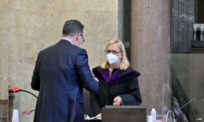 Ex-FPÖ-Obmann Heinz-Christian Strache und Richterin Claudia Moravec-Loidolt
