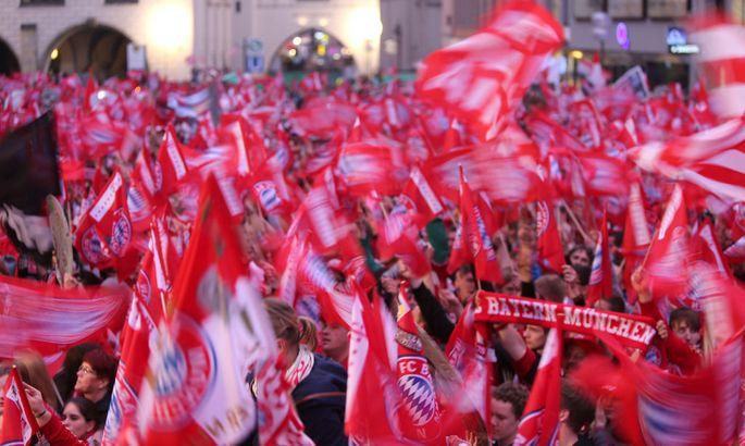 FUSSBALL - DFL, Bayern, Meisterfeier