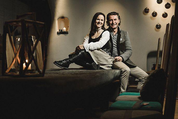 Renate und Huwi Oberlader waren unter den Ersten, die in Österreich ein Chaletdorf entwickelt haben.