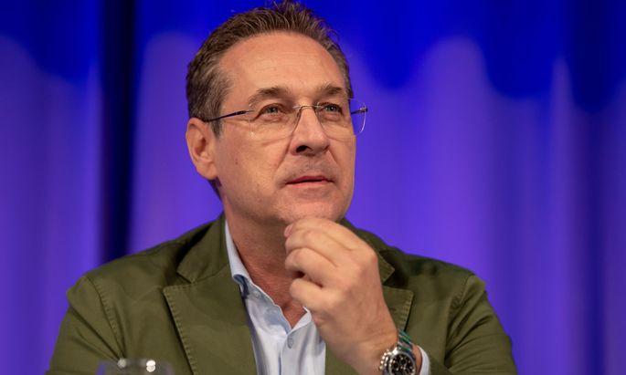 """Strache postet """"Zaronews""""-Artikel und löscht ihn wieder"""