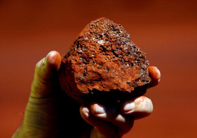Auch mit Eisenerz kann jeder Geld verdienen. Im Bild ein Klumpen aus Australien.