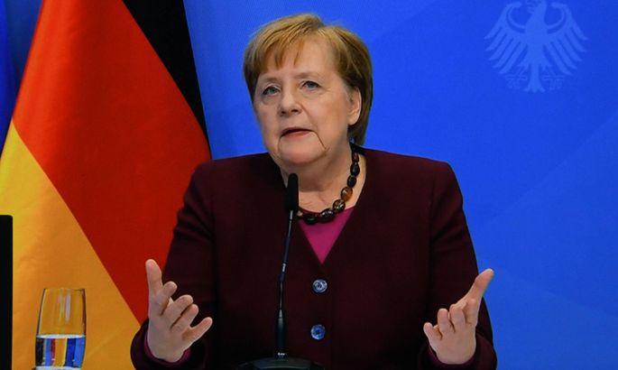 Endlich fällt die Entscheidung, wer Angela Merkel als mächtigster Politiker Deutschlands und damit wohl Europas nachfolgt. Vielleicht.