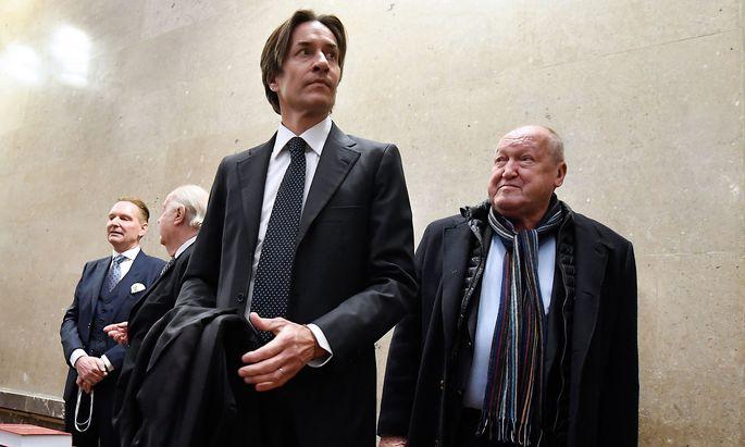 Archivbild vom Prozessstart im Dezember 2017: Die Angeklagten Karl-Heinz Grasser und Ernst Karl Plech.
