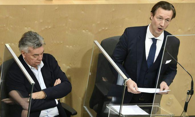 Vizekanzler Werner Kogler (l./Grüne) und Finanzminister Gernot Blümel (ÖVP)