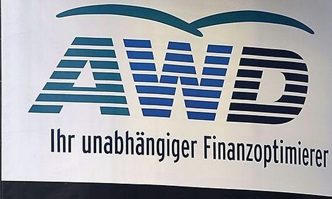 THEMENBILD: FINANZDIENSTLEISTER AWD