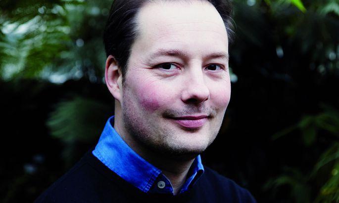 Tom Hillenbrand: Zeit und Ort seiner Krimis wechseln, sein feines Gespür für Menschen bleibt.