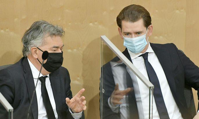 Werner Kogler und Sebastian Kurz im Nationalrat