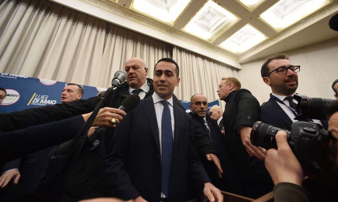 Freude über Wahlerfolg. Der 31-jährige Spitzenkandidat der Fünf-Sterne-Bewegung, Luigi Di Maio.