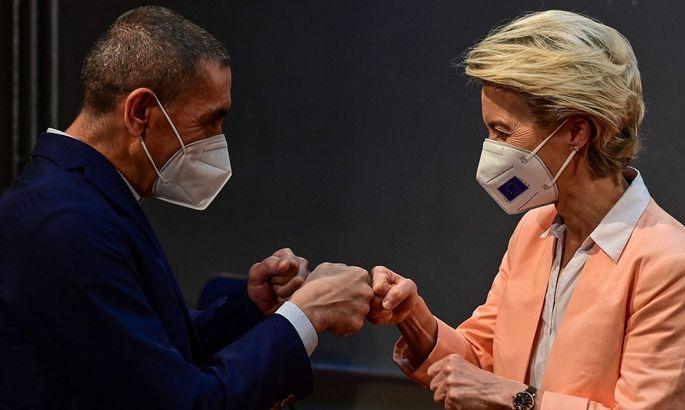 GERMANY-EU-SENEGAL-RWANDA-POLITICS-DIPLOMACY-HEALTH-VIRUS-VACCIN