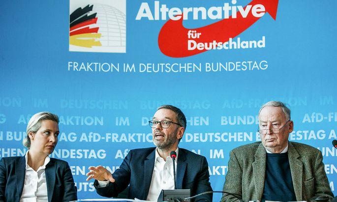 Weidel, Kickl, Gauland traten am Dienstag in Berlin gemeinsam vor die zahlreich versammelte Presse.