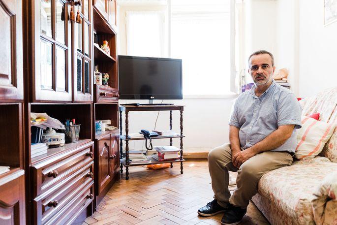 Luis Castro in seiner Wohnung, die er laut seinem Vermieter verlassen soll.