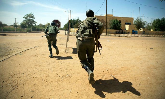 Blutige Gefechte: Fast 80 Tote in Mali