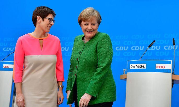 Annegret Kramp-Karrenbauer wird Generalsekretärin der CDU und gilt als mögliche Nachfolgekandidatin für Angela Merkel an der Parteispitze.