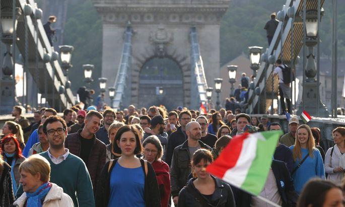 """Die Protestaktion wurde durch die unabhängige Studentenorganisation """"Für Unterrichtsfreiheit"""" organisiert."""