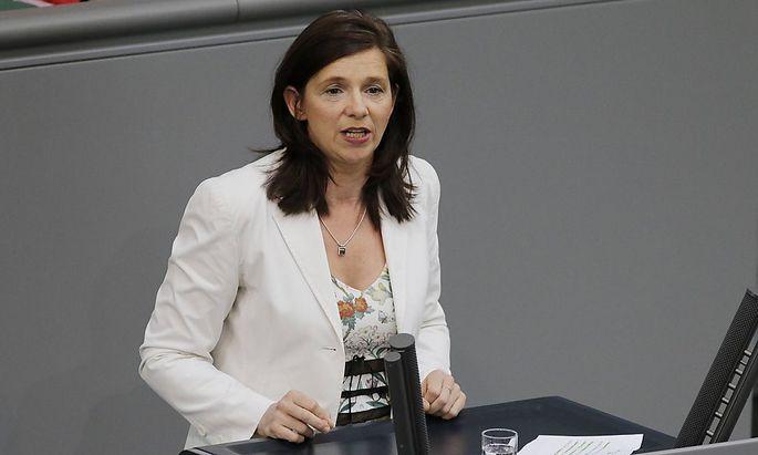Katrin Göring-Eckardt von den deutschen Grünen tritt die Aufnahme von 500.000 Flüchtlinge aus der Krisenregion Irak/Syrien ein.