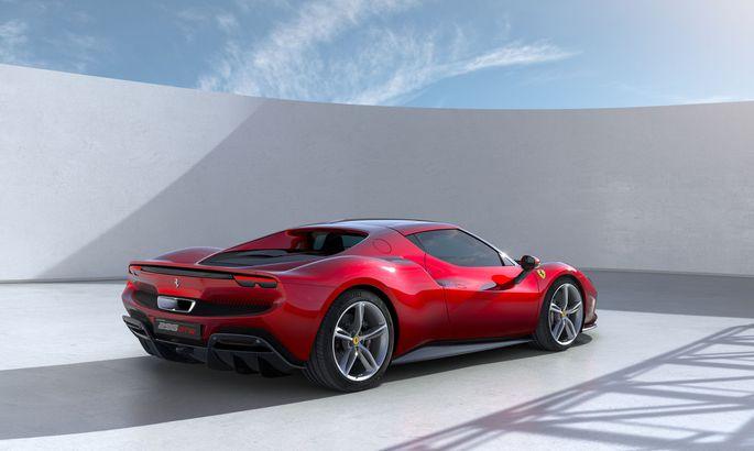 """""""Wie ein Diamant in seiner Fassung"""": Ferrari 296 GTB mit Hybrid-V8 und ausgeklügelter Aerothermik."""