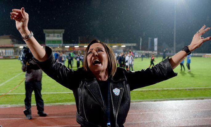 Hartberg-Präsidentin Brigitte Annerl jubelte zuletzt nicht nur über den Sieg gegen Lustenau, sondern auch über die Lizenz.
