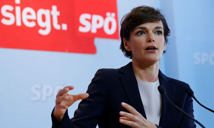 Head of Austria's SPOe Rendi-Wagner addresses a news conference in Vienna
