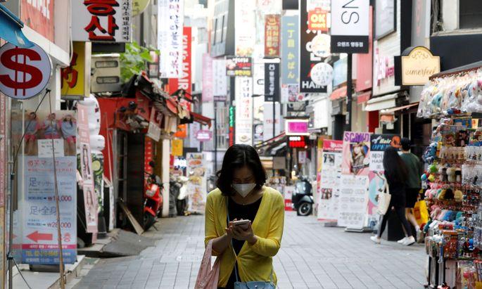 Ein Bild aus dem Shopping-Viertel Myeondong in der südkoreanischen Hauptstadt Seoul.