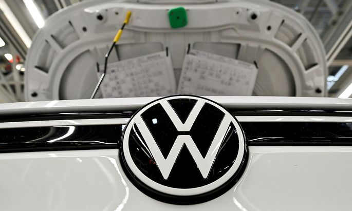 FILE PHOTO: VW shows electric SUV 'ID 4' during a photo workshop