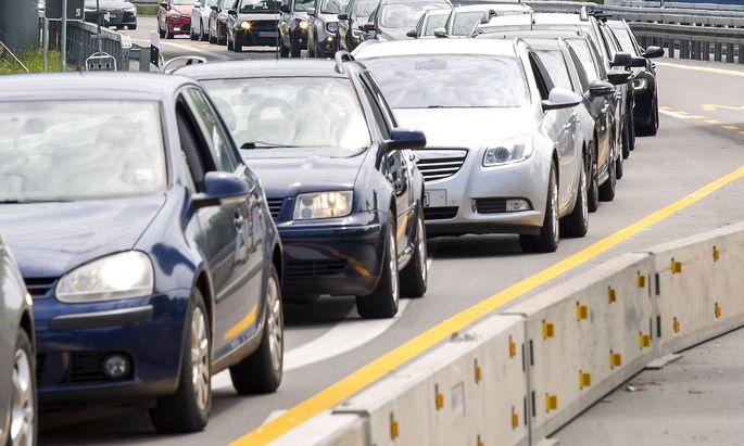 Individualverkehr ist derzeit das größte Sorgenkind in der Klima- und Umweltpolitik.