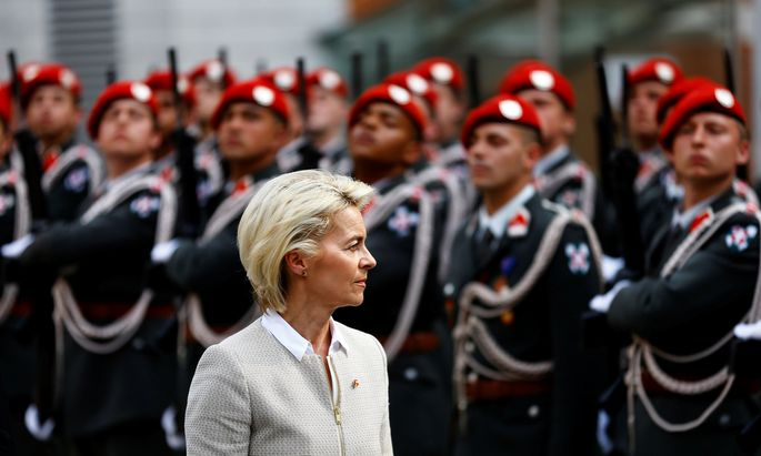 German Defence Minister von der Leyen reviews the guard of honour in Vienna