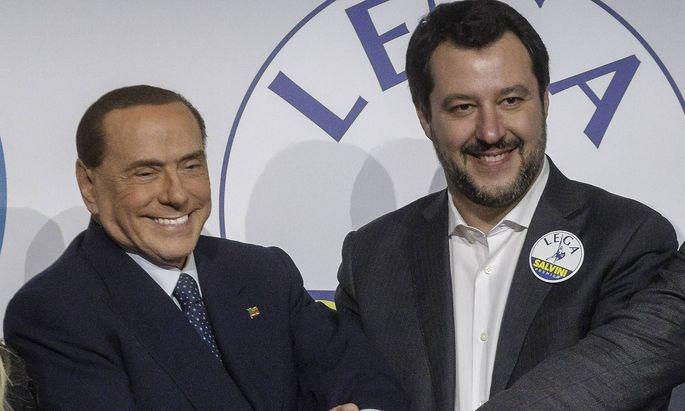 Bilder des Tages Italy Centre right wing coalition close election Silvio Berlusconi and Matteo Salv