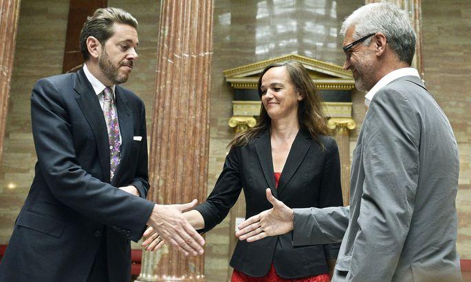 Am Tag der Einigung: der damalige Wissenschaftsminister, Harald Mahrer (l.), Ex-Bildungsministerin Sonja Hammerschmid und der einstige grüne Bildungssprecher Harald Walser im Juni 2017.