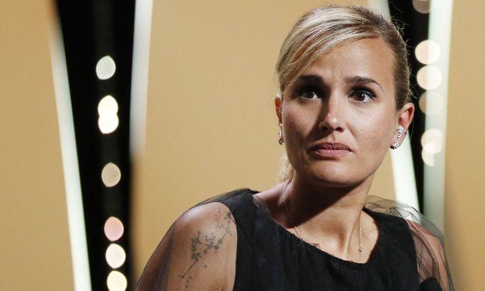"""Für ihren Film """"Titane"""" gewann Julia Ducournau bei den Filmfestspielen von Cannes die """"Goldene Palme"""": als erst zweite Frau in der Festivalgeschichte."""